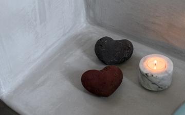 Santorini_HeartStone_1